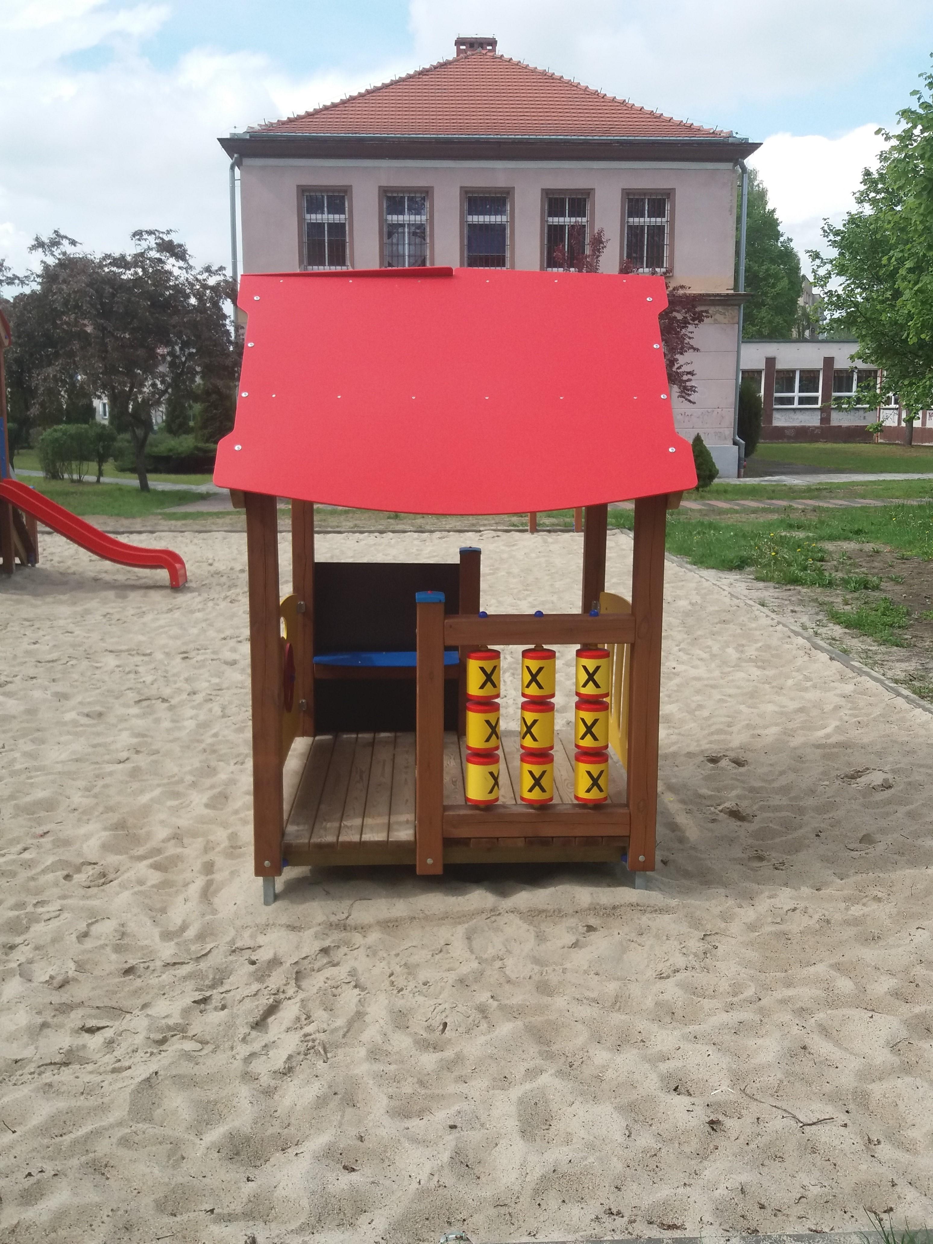 Budowa placu zabaw przy Zespole Szkół Miejskich nr 5 w Kędzierzynie-Koźlu
