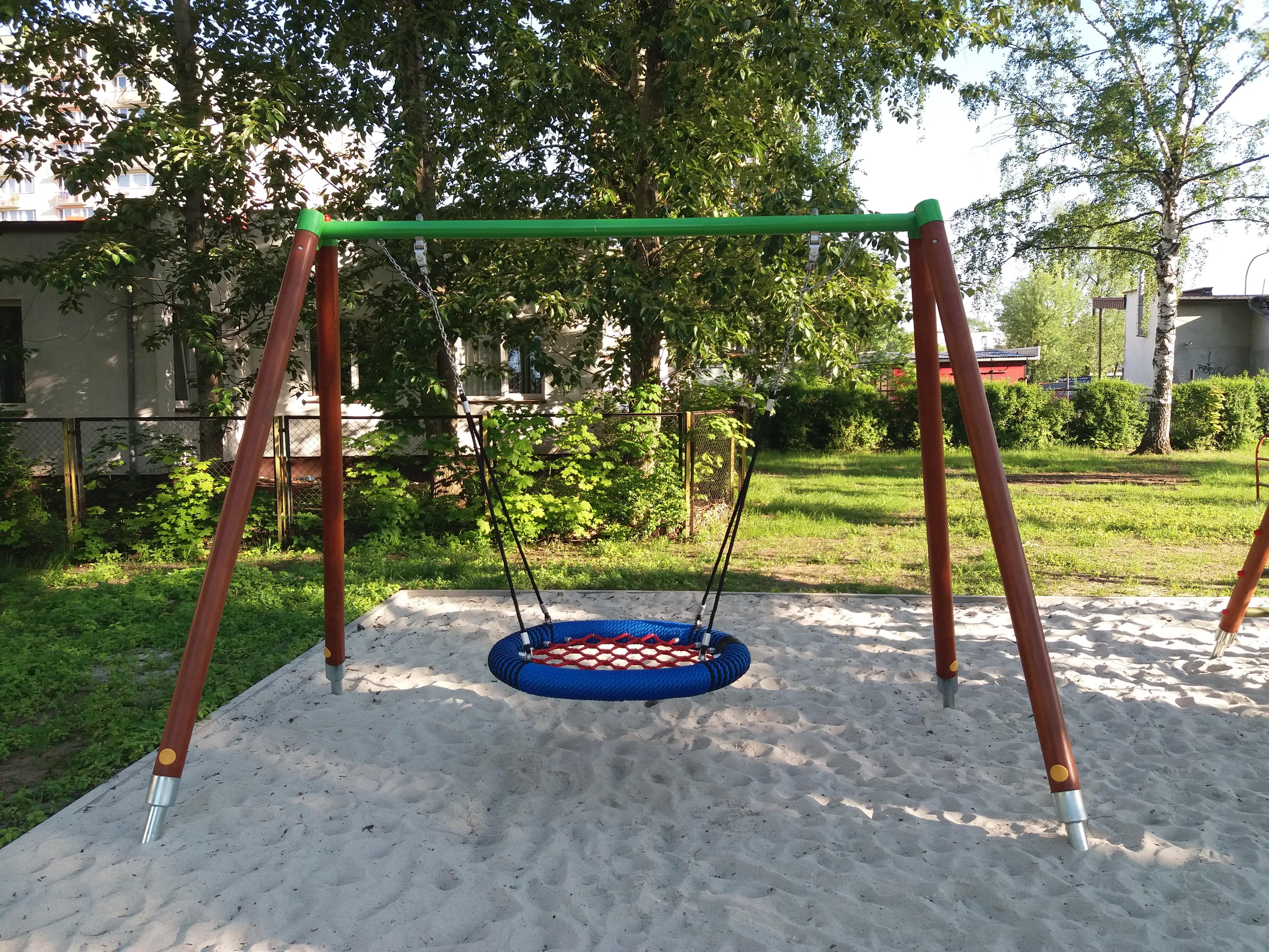 Remont i modernizacja przedszkolnego placu zabaw wraz z zakupem jego wyposażenia (Publiczne Przedszkole nr 9, ul. Harcerska 16)