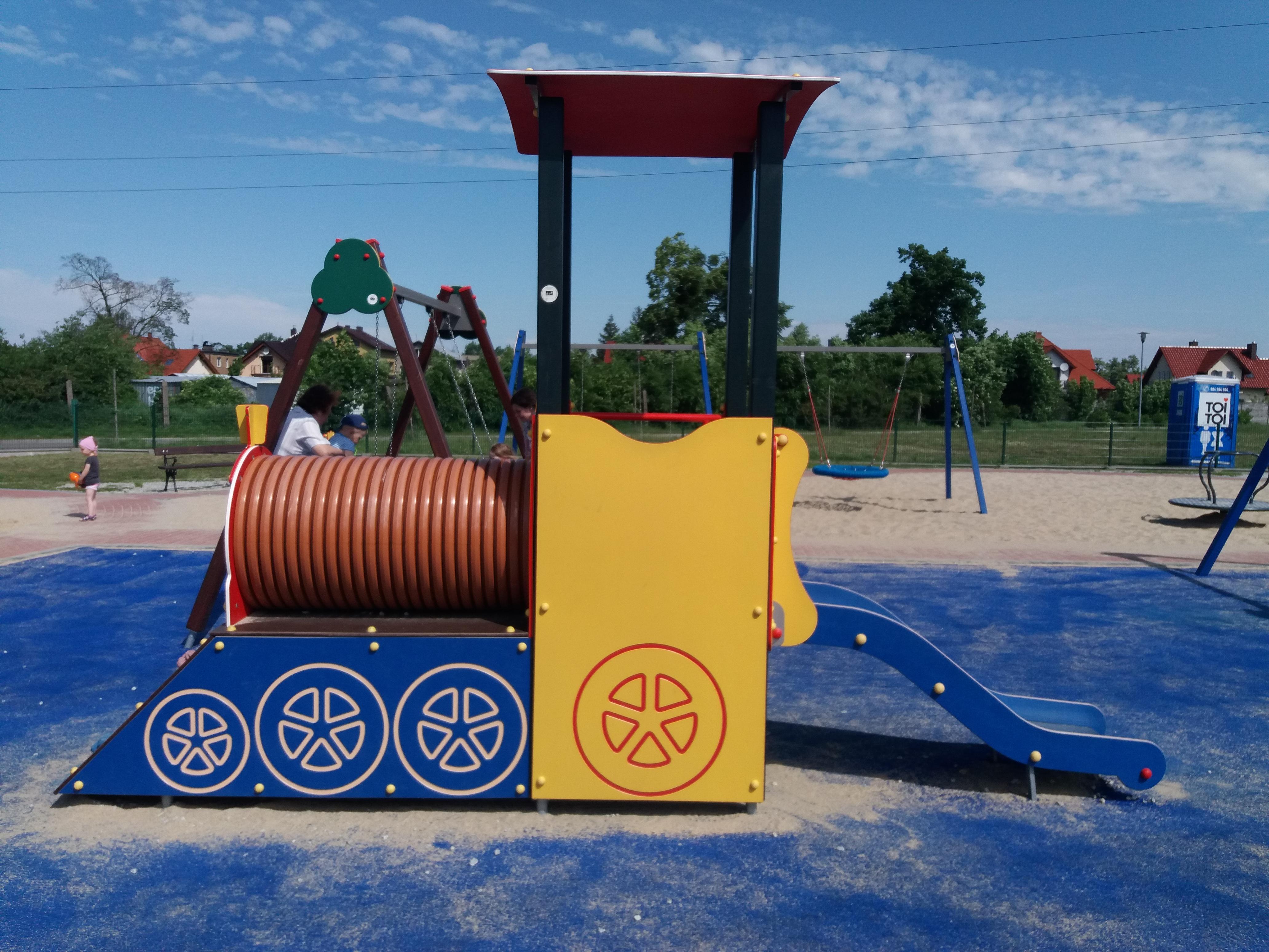 Plac zabaw z częścią sportową przy ul. Kanonierów