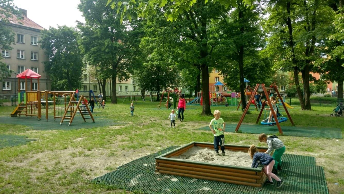 Modernizacja i rozbudowa placu zabaw w obrębie ulic Lompy, 1 Maja, Plebiscytowej