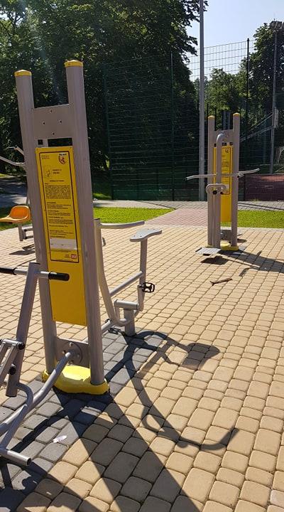 Budowa strefy rekreacyjnej (urządzeń sportowo-rehabilitacyjnych do ćwiczeń plenerowych) DK.Koźle Orlik